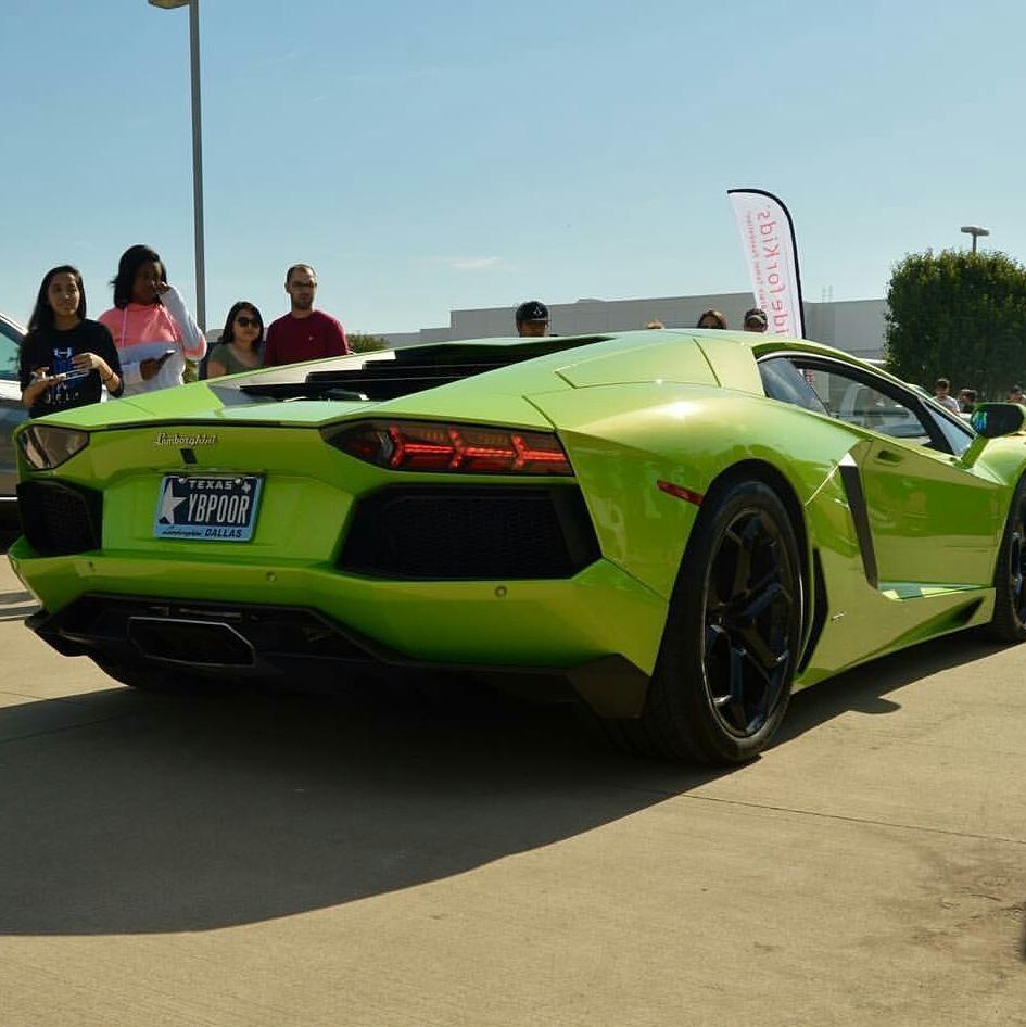 Lime Green Bugatti Veyron: Lime Green Is Bæ Via: @motorhead_authority Tag A Friend