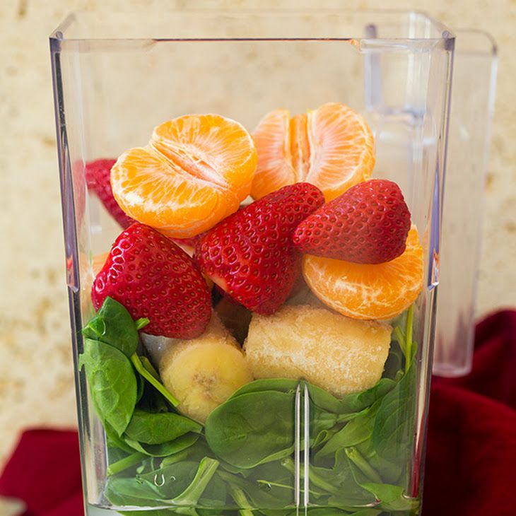 Strawberry Spinach Green Smoothie Recipe Beverages with bananas, strawberries, mandarin oranges, baby spinach, cold water, ice