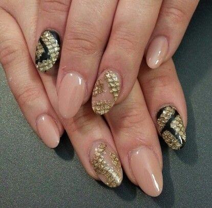 phuong luu nails nails amazing snake goldenblack