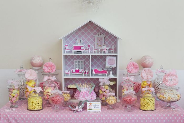 Dollhouse theme- this is ridiculously adorable (and totally out of the box)  How long can I go without any stupid characters?