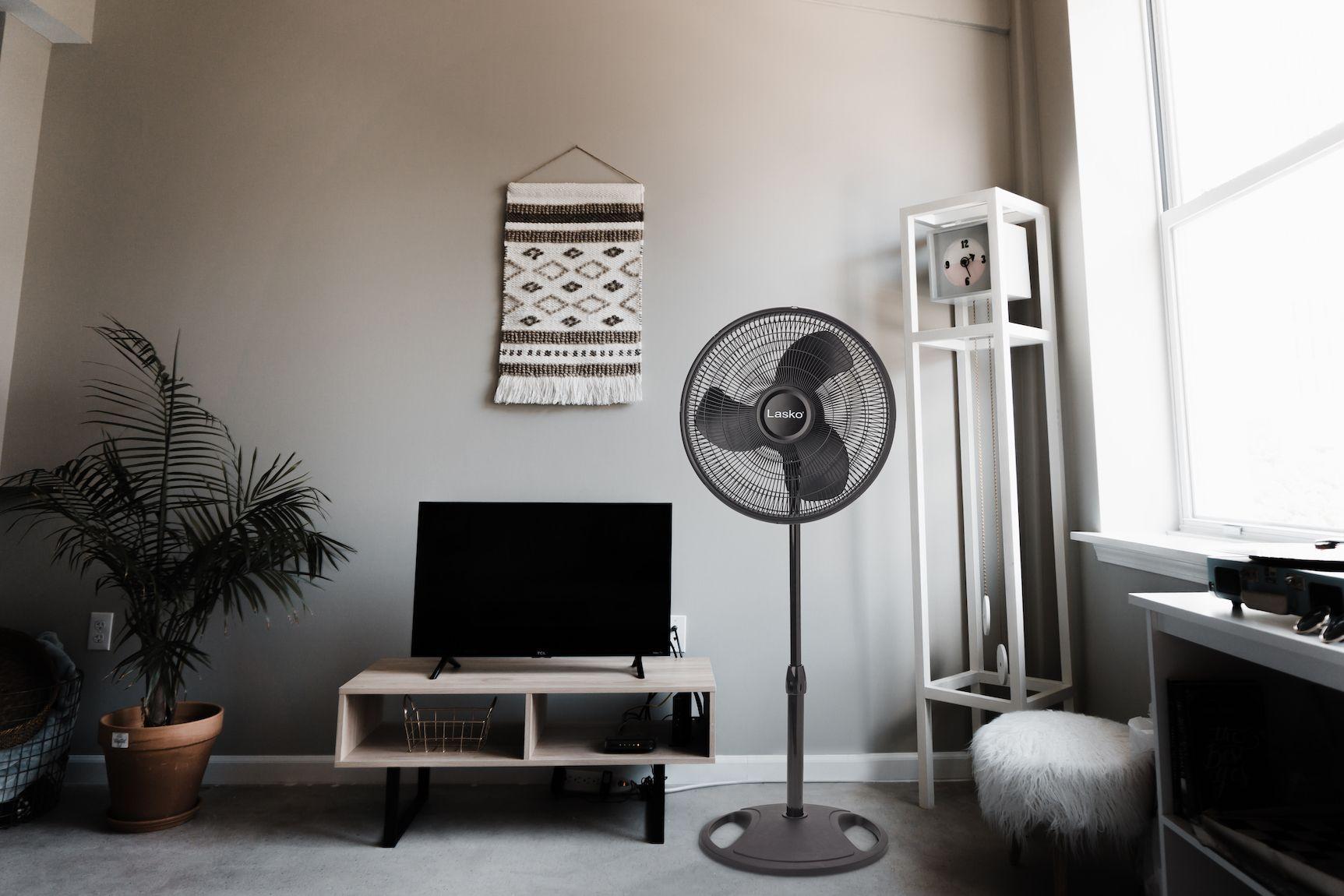 Lasko's 16″ Oscillating Stand Fan Living room essentials