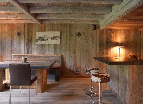 Chalet design  Salon  Pinterest  Decoration escalier Cuisine salle  manger et Decoration chalet