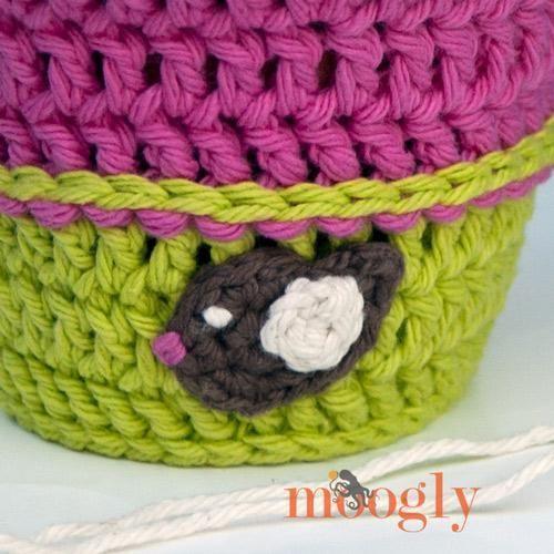Put a Bird On It Applique #crochetapplicates Put a Bird On It Applique from @moogly #crochetapplicates