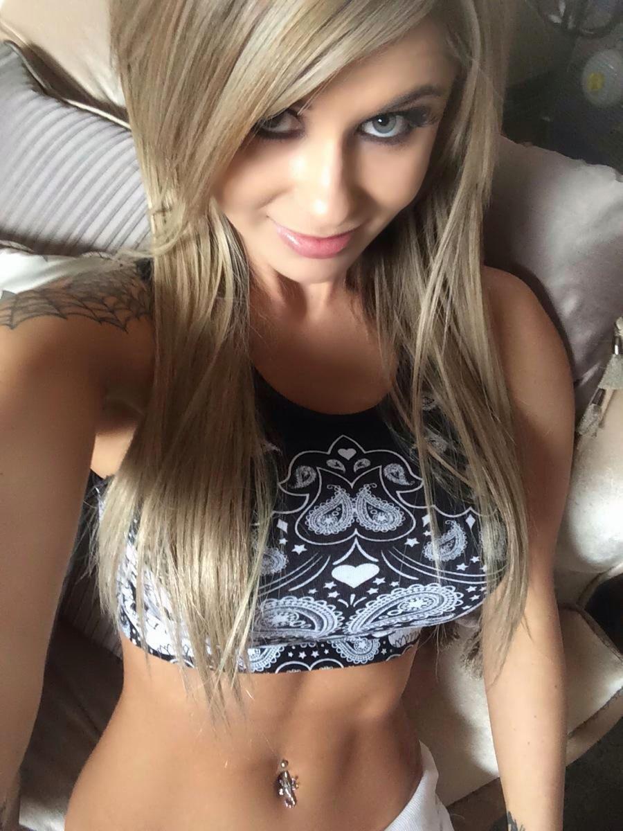 Chloe Chaos Selfie