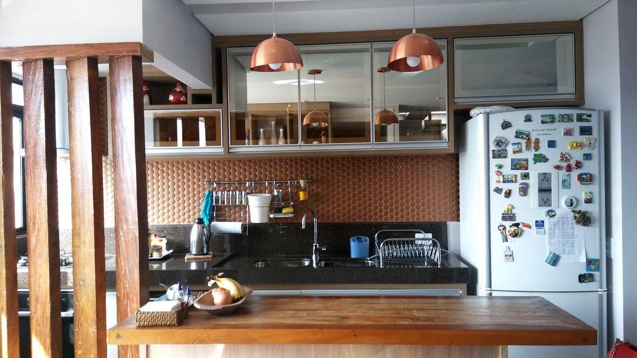 Cozinha Americana Com Divis Ria Em Madeira Marcenaria Espelhada E