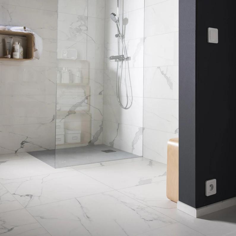 Carrelage Sol Et Mur Blanc Effet Marbre Rimini L 60 X L 60 Cm En 2020 Carrelage Sol Murs Blancs Marbre