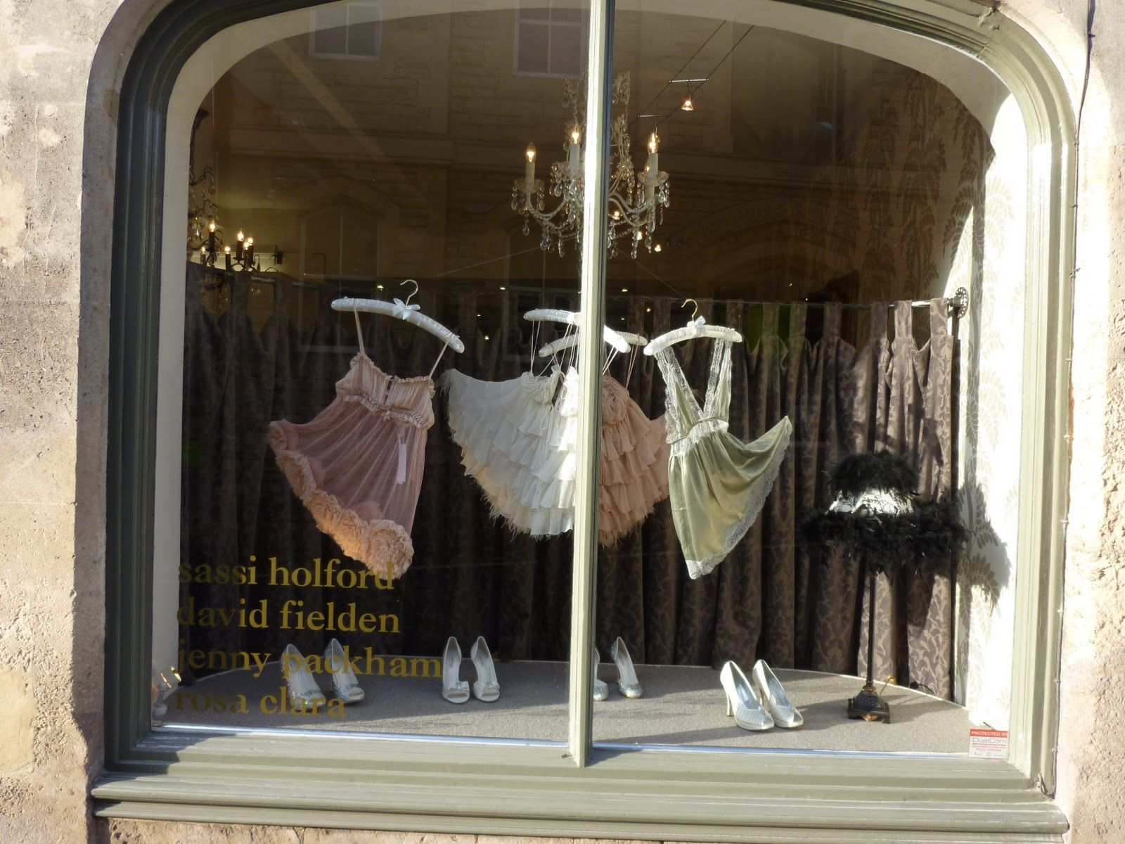 lingerie store valentine's window display | Boutiques & Fantastic ...