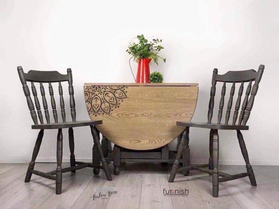 Oak Drop Leaf Dining Room Table With Four Chairs Painted In Dark
