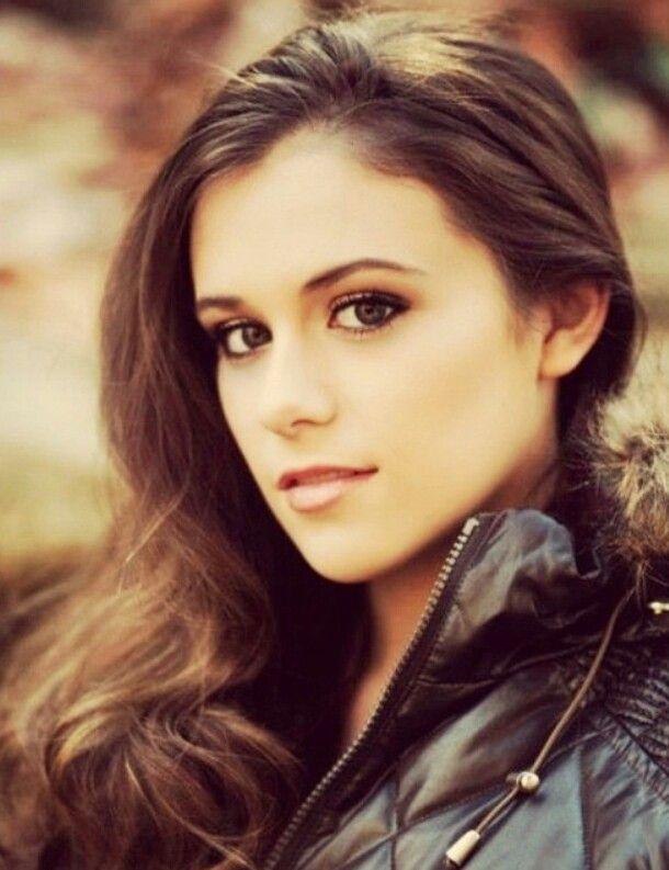 Caitlin Beadles On Twitter 13 Year Old Girl Now Vs Me As: Caitlin And Christian Beadles