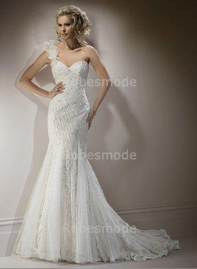 Robe De Mariée Avec Seule Bretelle Ornée De Perles Et De