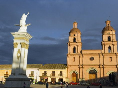 IPIALES, NARIÑO, COLOMBIA. Central Plaza and Cathedral, Ipiales, Colombia, South America Lámina fotográfica por Christian Kober en AllPosters.es