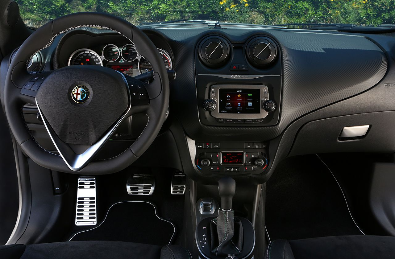 """Uconnect™ 5"""" Radio Nav Currently available for Fiat 500L"""