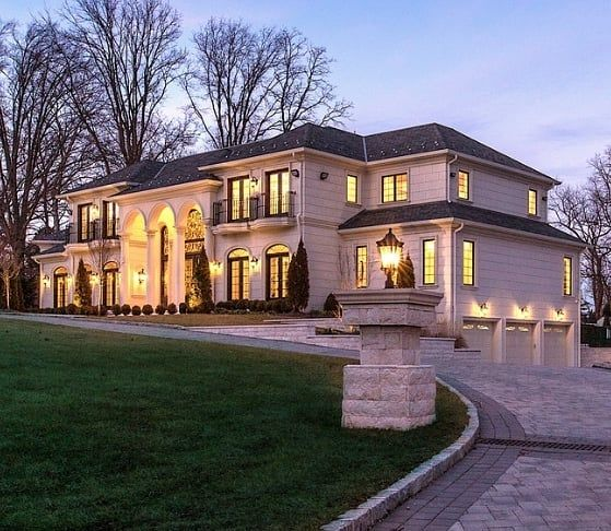 5 597 Likes 33 Comments Homes Of The Rich Homesoftherich On Instagram Limestone New Build On Long Island C Luxury Houses Mansions Rich Home Mansions