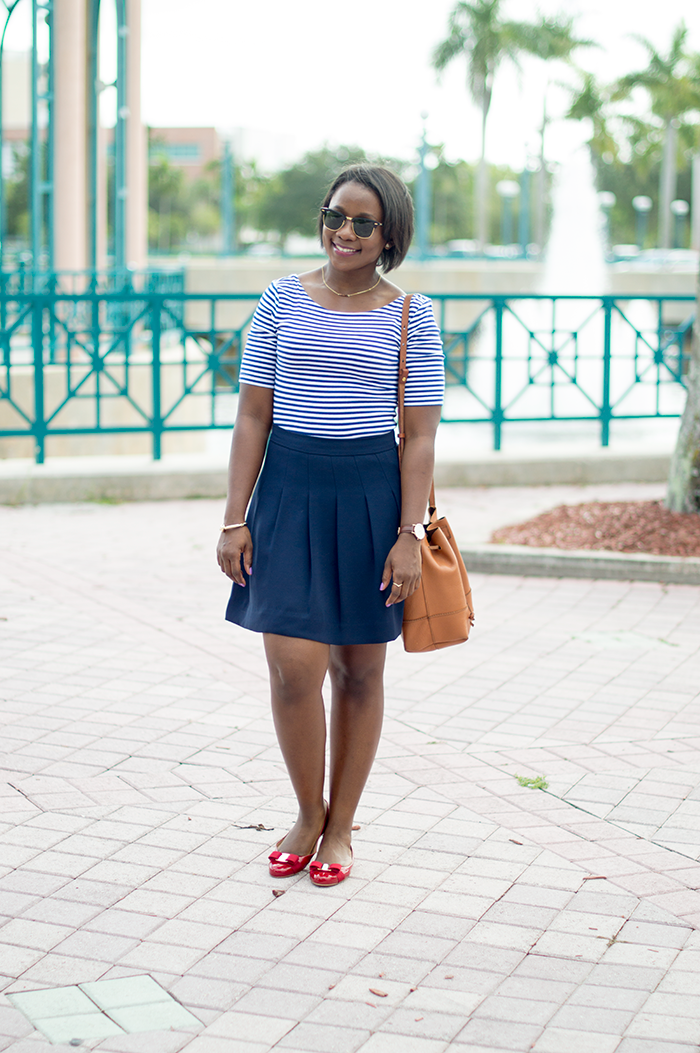 basic work outfit with red flats |