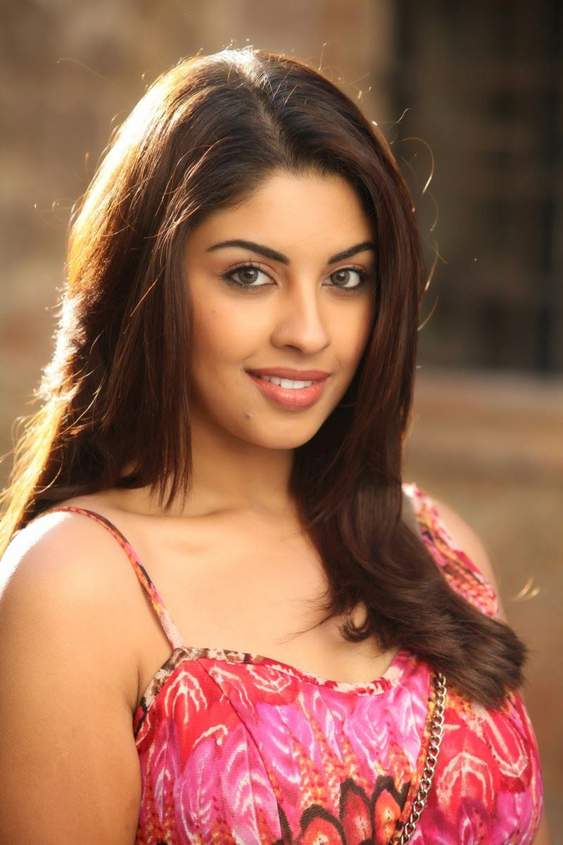 richa+gangopadhyay+hot+cute+spicy+images+stills+photoshoot+pictures+
