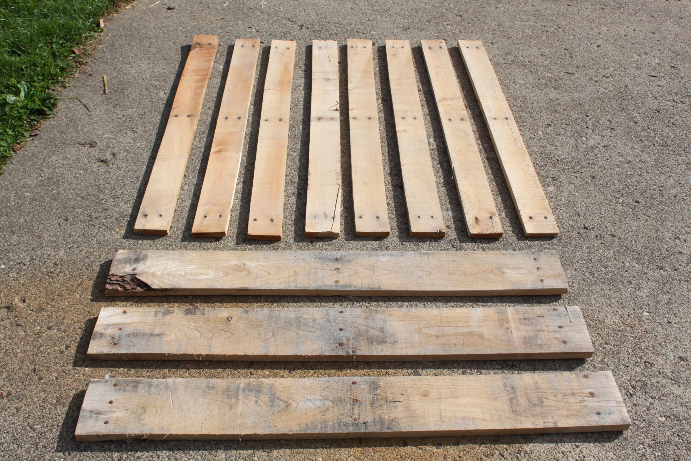 How to Disassemble Pallets With Ease
