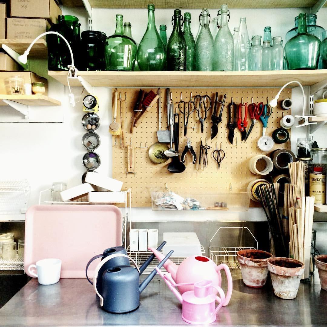 """562 mentions J'aime, 6 commentaires - Concept store végétal PARIS 🌿 (@mamapetula) sur Instagram: """"Mama Petula, concept store vegetal le week-end - atelier de travail la semaine. On refait le monde…"""""""
