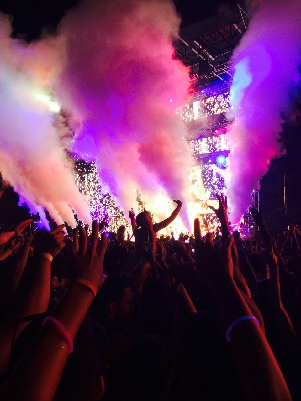 Pin by Joel Glaser on Stage Lighting   Concert lights