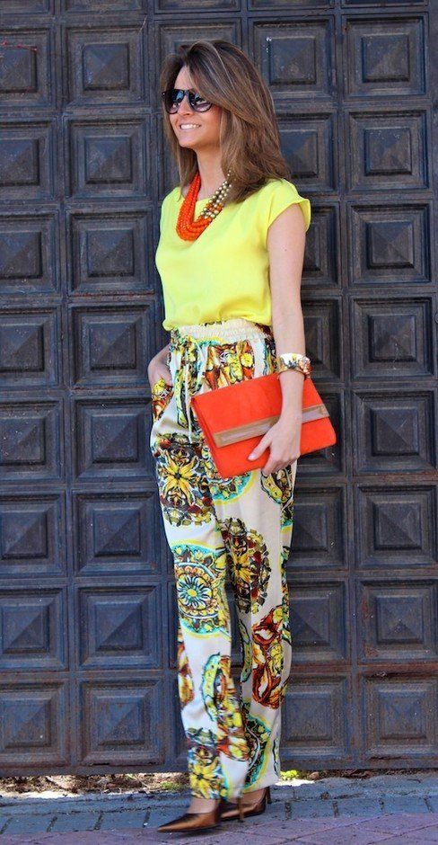 d2e1867a7d465  roressclothes closet ideas  women fashion Stylish Bright Colored Outfit  with Printed Pants