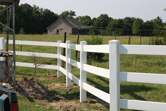 3 rail vinyl farm fence in http: deckandfencestore.com