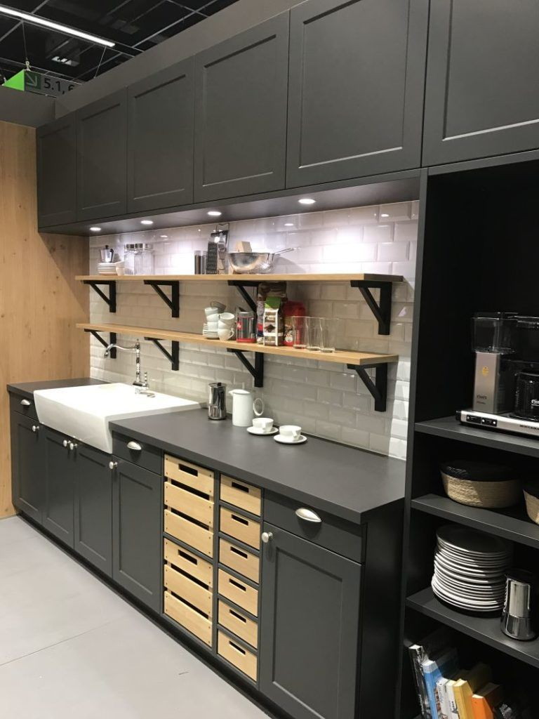 Find Used Kitchen Cabinets To Save Money And Maintain Style Kitchen Cabinets And Countertops Kitchen Cabinets For Sale Rustic Kitchen Cabinets