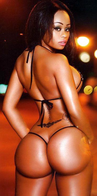 Ebony wide booty