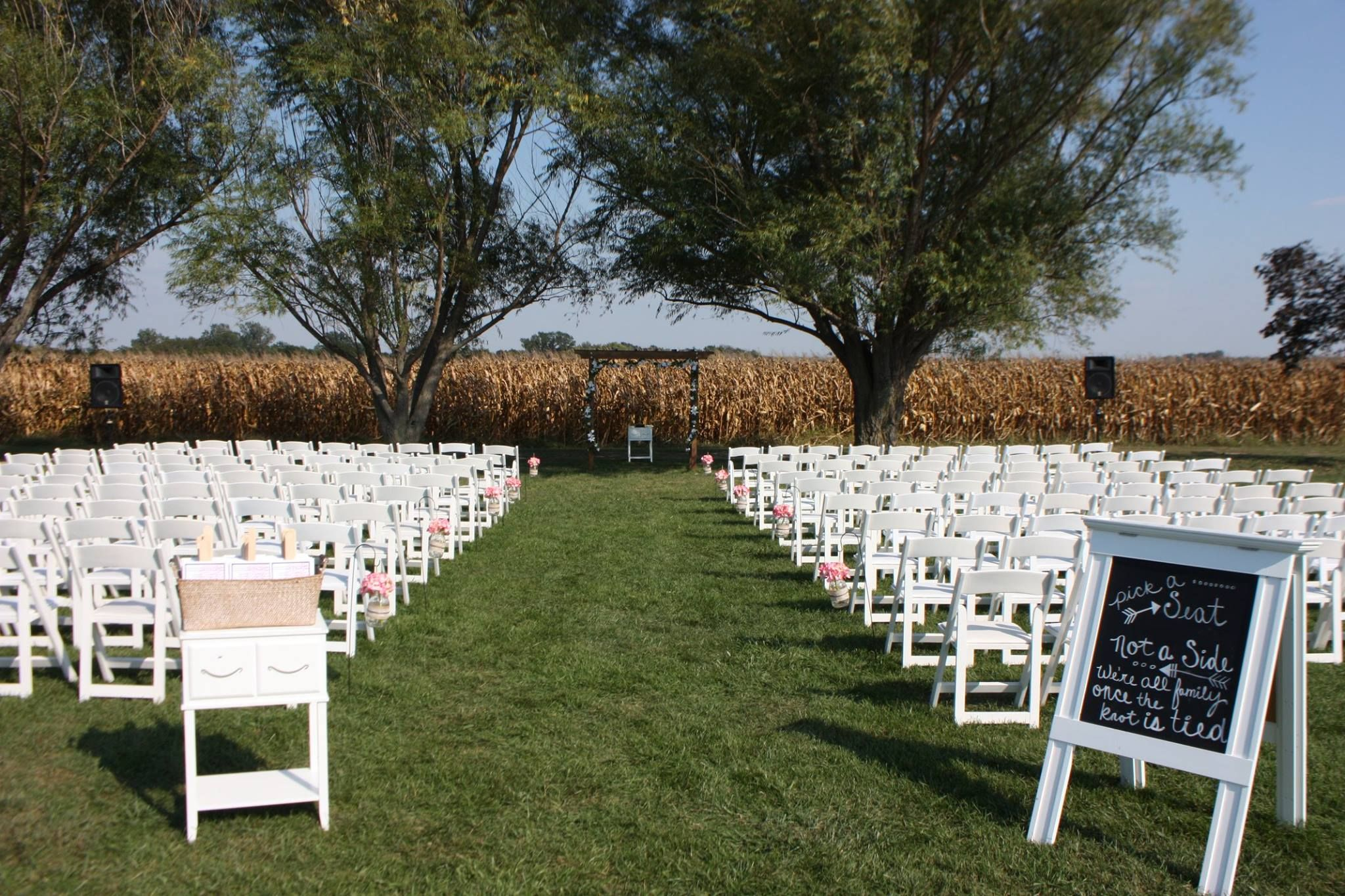 Kansas City Missouri Outdoor wedding Ideas and Inspiration ...