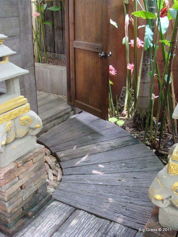 Wandering path paver gardens garden projects and yard ideas these highly versatile molded concrete plank pavers are the sustainable cost competitive solutioingenieria Images