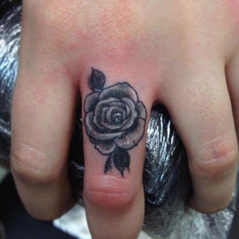 Pin By Vanessa On Tattoo Tattoos Flower Tattoos Finger