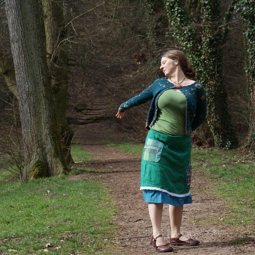 ...ubývá+míst+...lněná+sukně+L XL+...kam+chodívala+pro+vodu..+Áčková+sukně+ke+kolenům.+Ušito+z+jemného+lnu+smaragdově+zelené+barvy  ... b0e99c0f20
