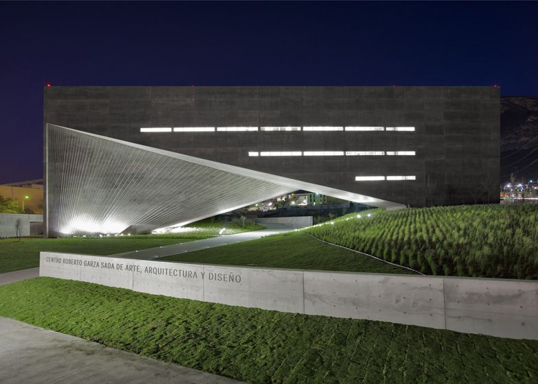 Centro Roberto Garza Sada #ando #architecture #tadao Pinned by www.modlar.com