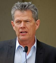 David Foster And Friends To Perform Benefit Concert For Hamilton High School S Academy Of Music The Fosters Record Producer Toni Braxton