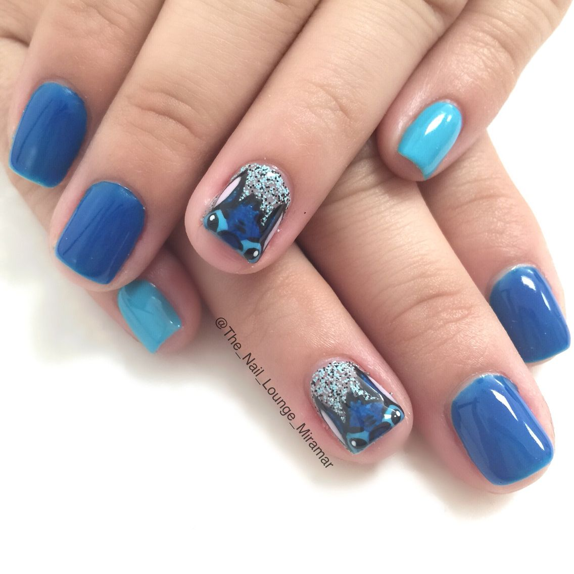 LILO and stitch nail art design - Disney Nails | Pinterest