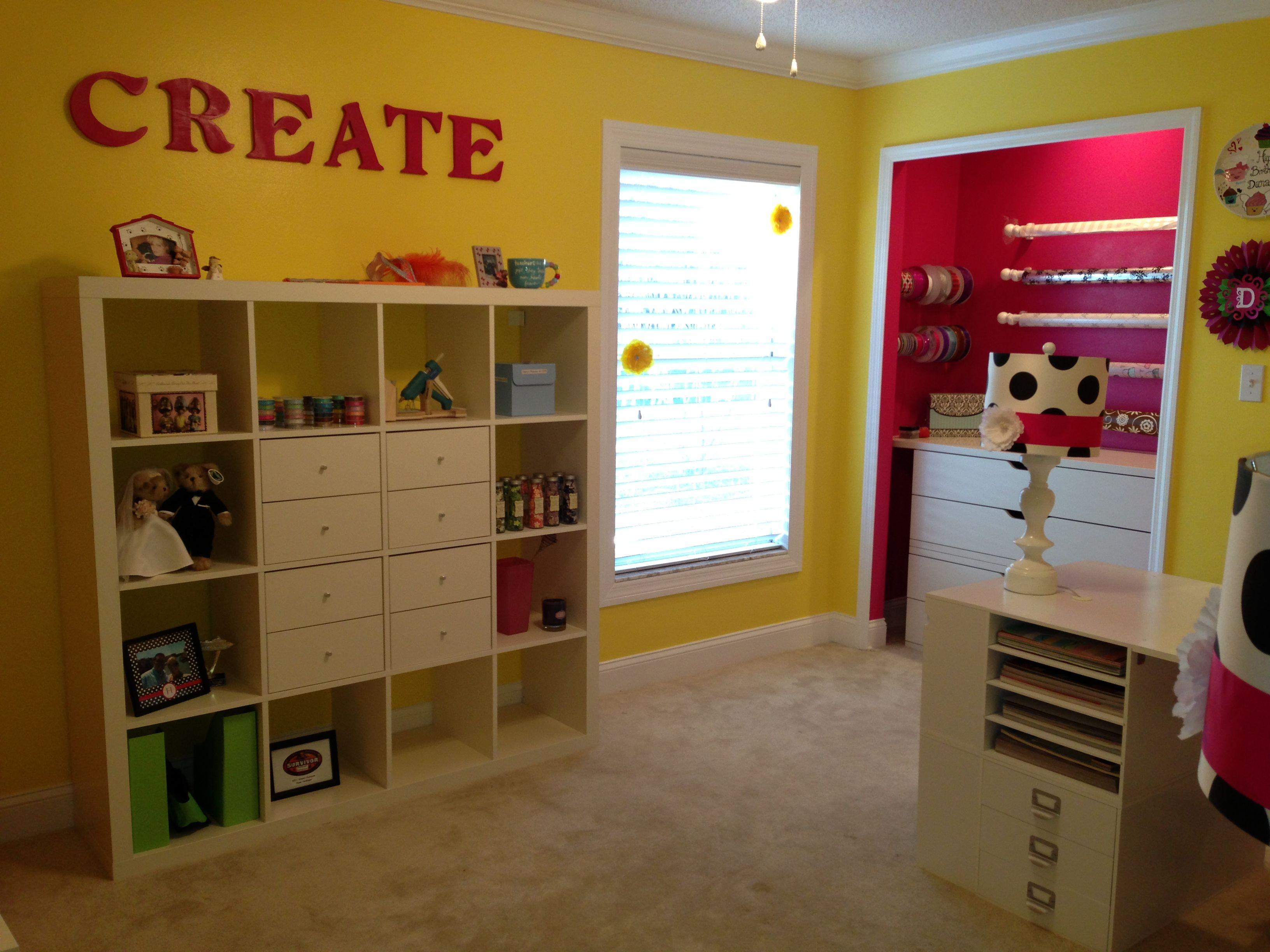 die besten 25 geschenkpapier station ideen auf pinterest verpackungspapierorganisation. Black Bedroom Furniture Sets. Home Design Ideas