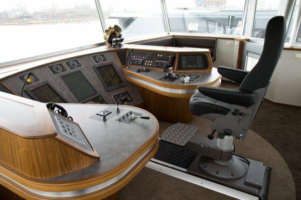 Ontwerp en inrichting nieuwbouw binnenvaartschip | Portfolio\'s ...