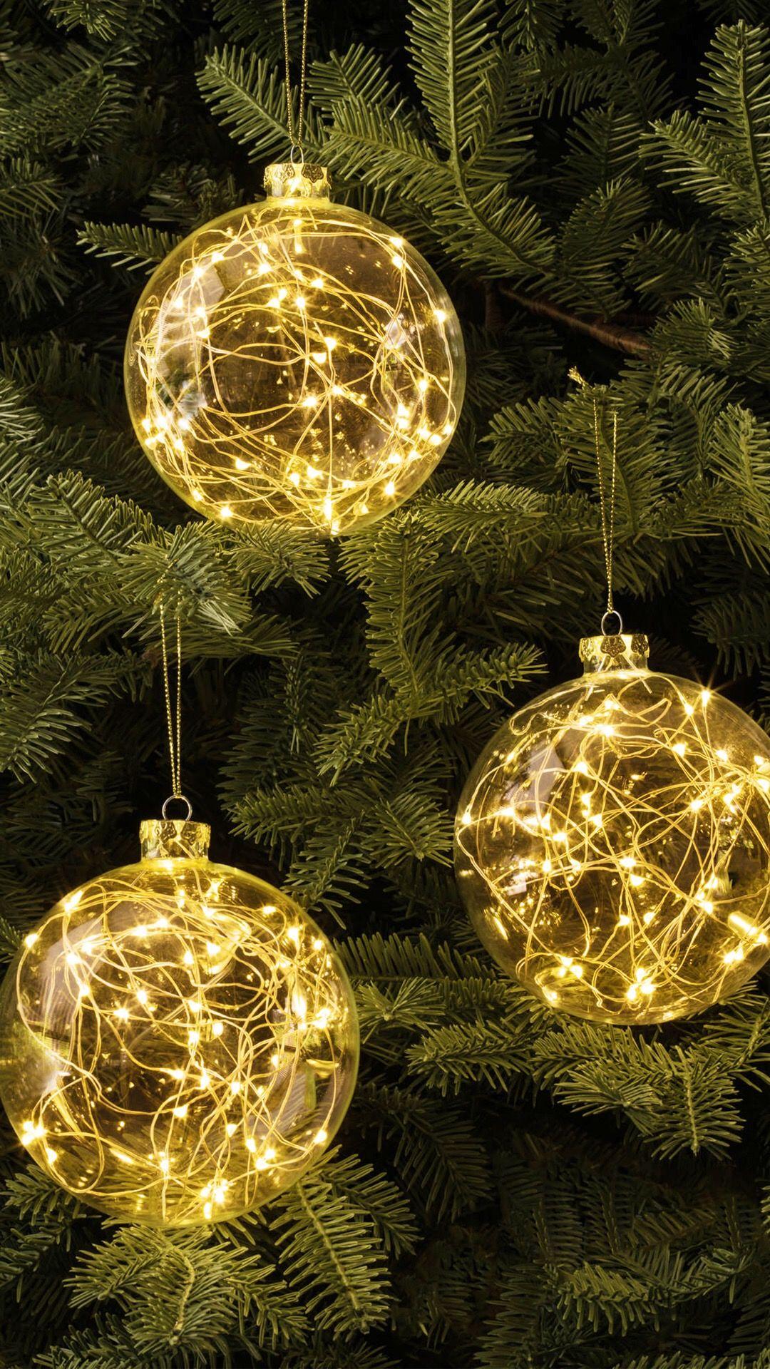 Tick Tock Apps Inc. 10,000+ Wallpapers Christmas bulbs