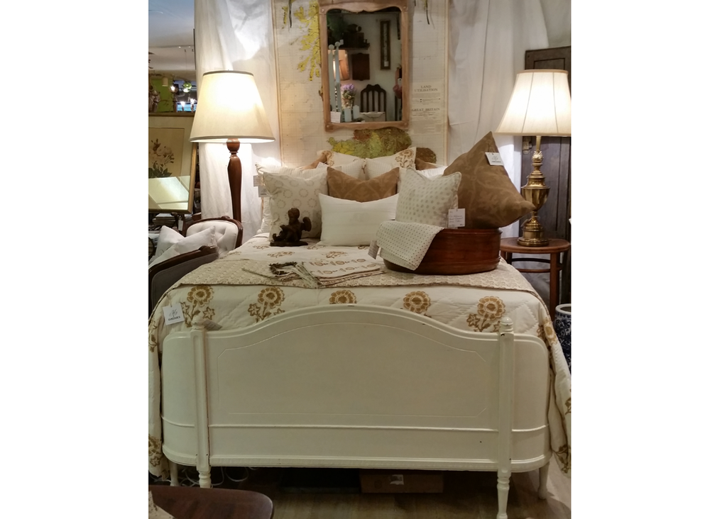 antique queen bed frame with curved foot board - Antique Queen Bed Frame