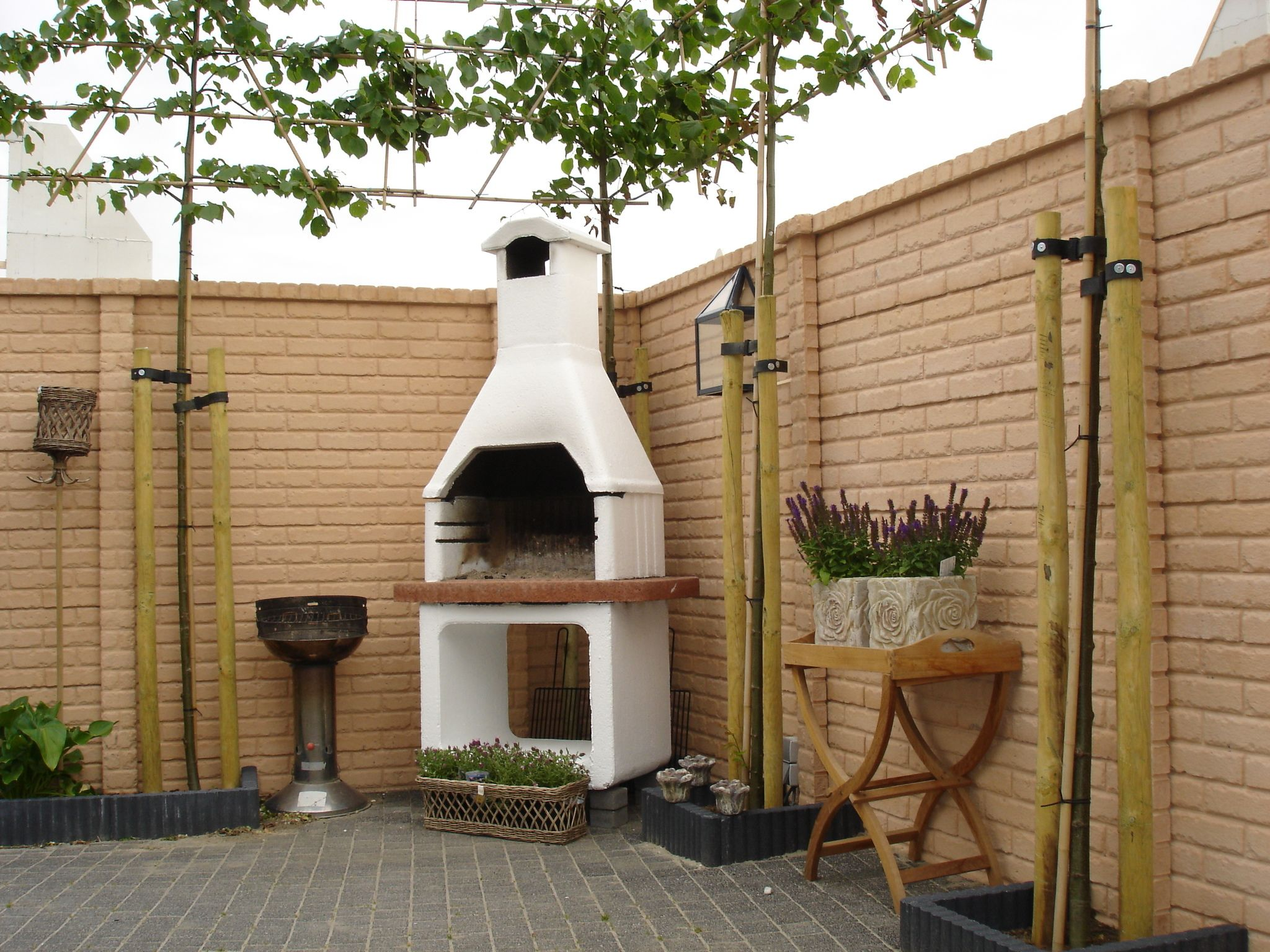 Muro de facil intalacion en imitacion madera muro for Decoracion vallas jardin