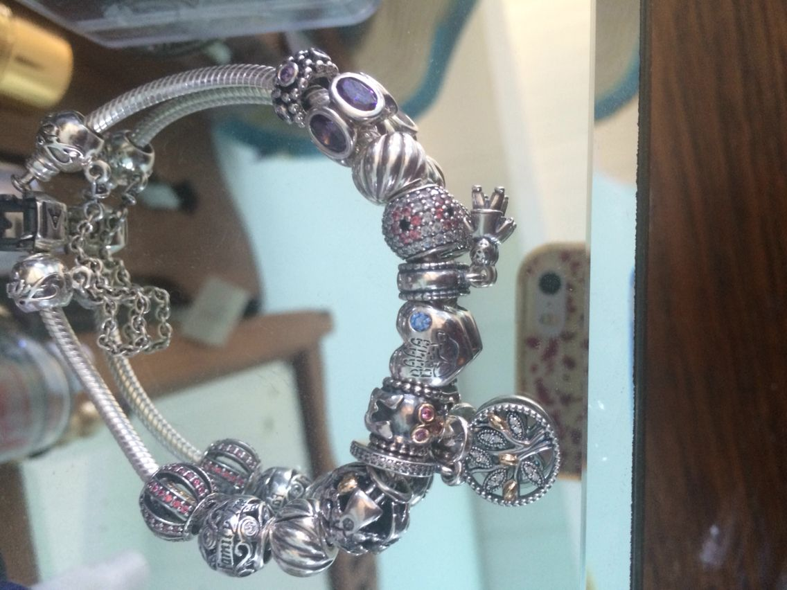 My Pandora Family bracelet .