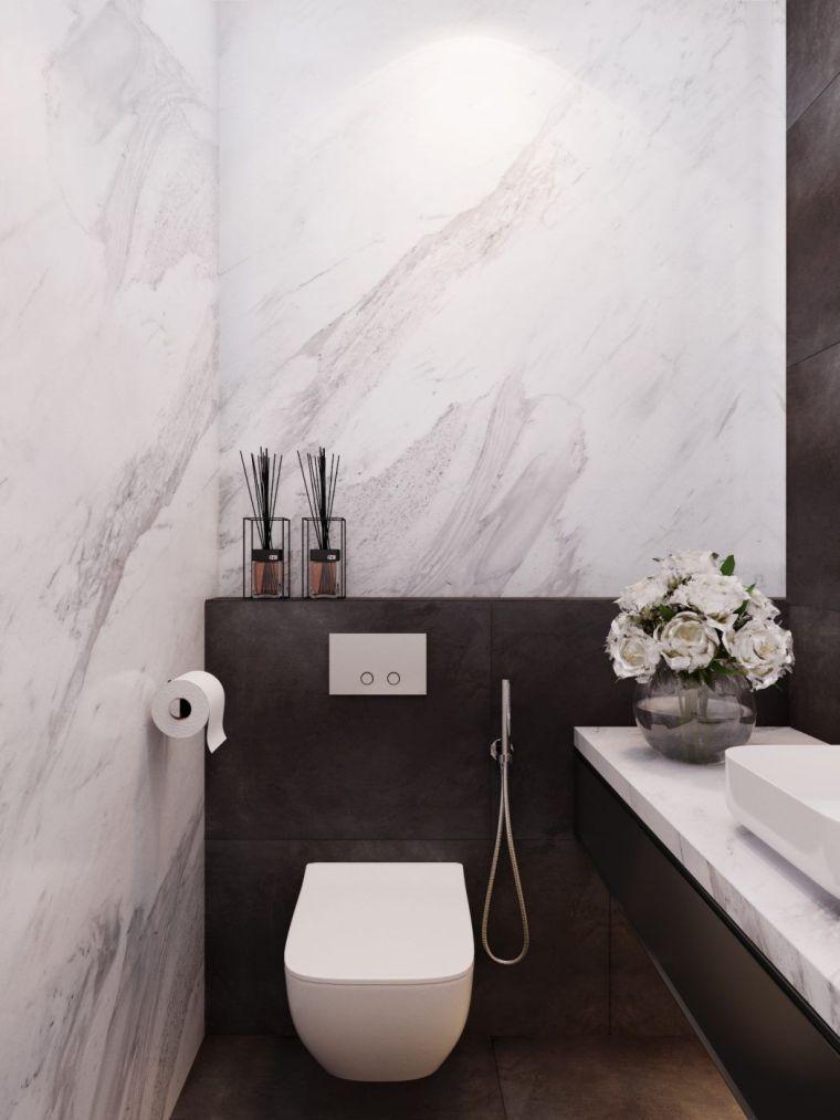 Toilette Suspendue Et Deco De Wc Petit Espace En Marbre Noir Et Blanc Decoration Toilettes Toilette Suspendu Idee Toilettes