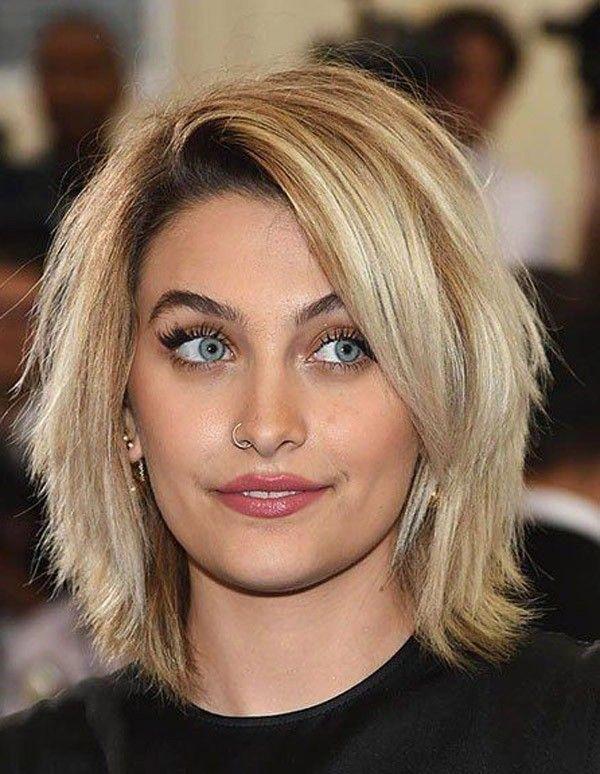 Trending Hairstyles 2019 - Short Layered Hairstyles - EveSteps #bobshairstyleideas #shortlayeredhairstyles