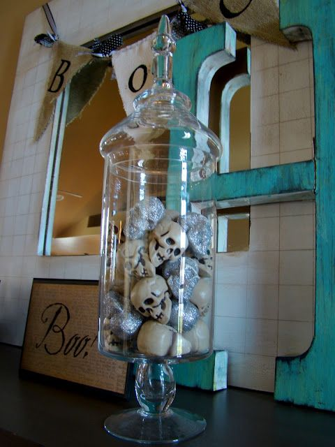 tHe fiCkLe piCkLe. Good idea for my apothecary jars.