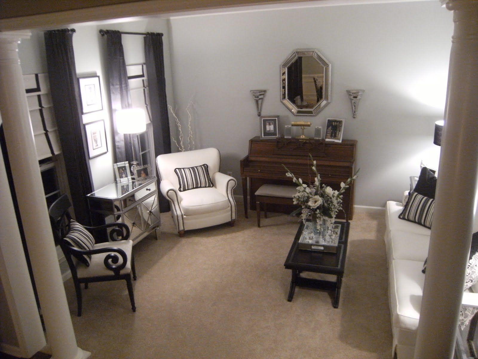 small room! I want a piano now!! Lol | Small formal living room ...