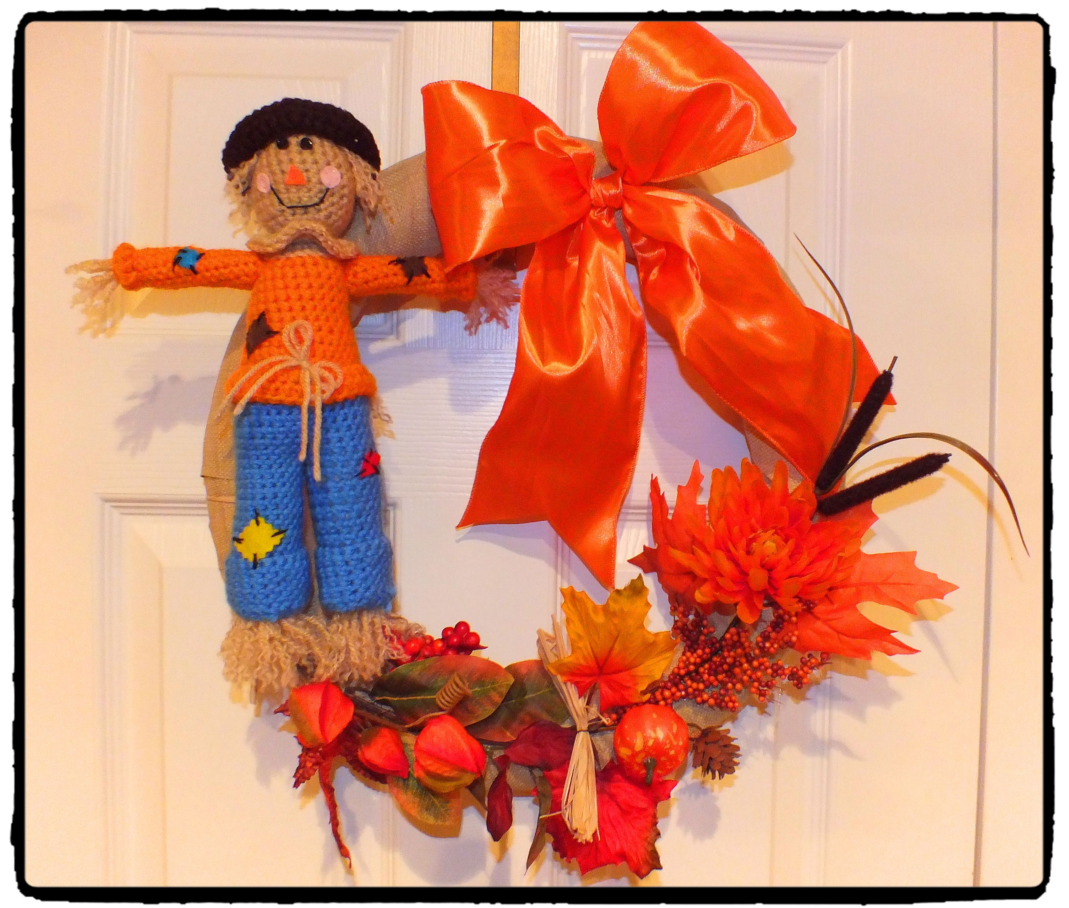 Harvest Scarecrow With Wagon Amp Harvest Wreath Pattern By