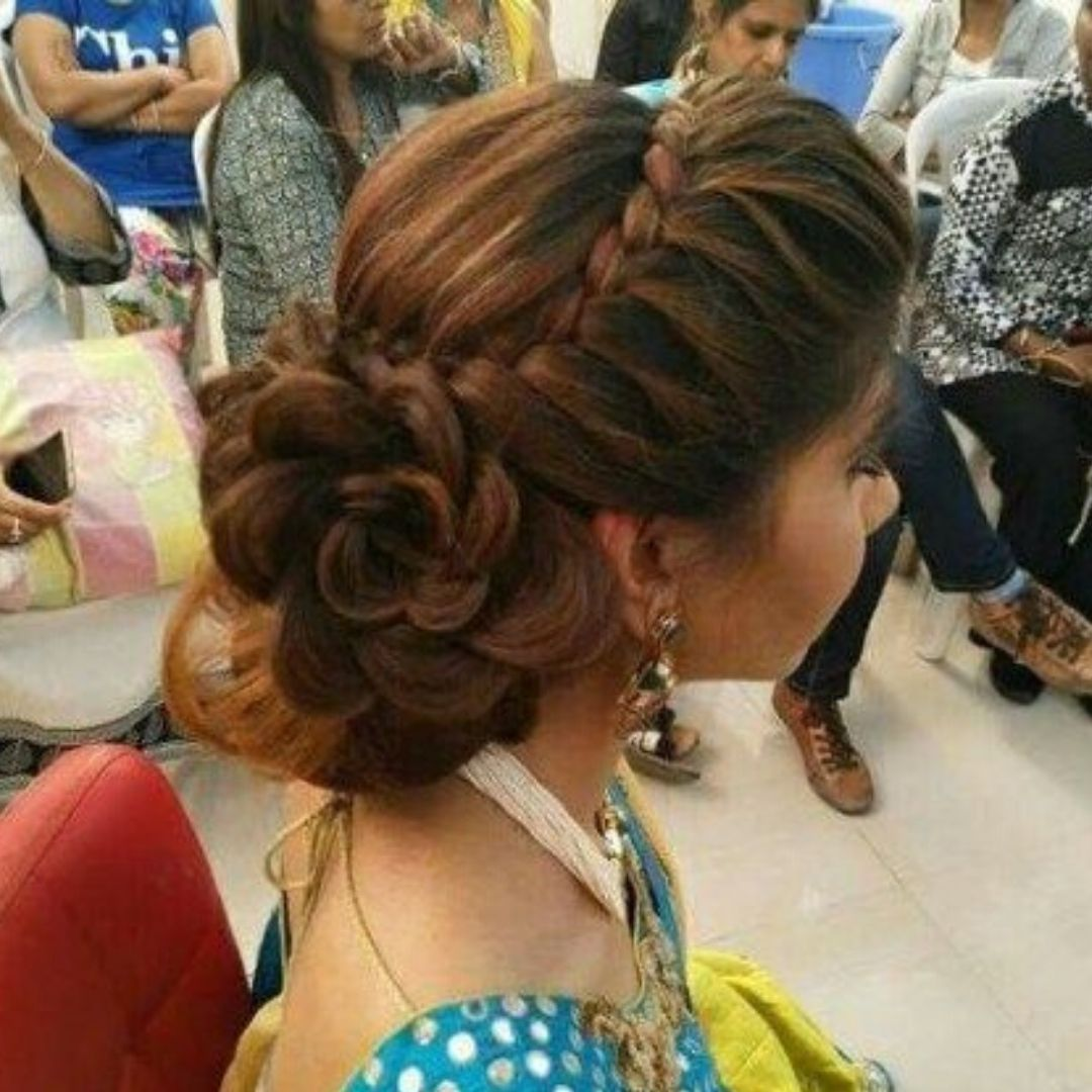 Latest Simple Hairstyle For All Occasions In 2020 Bridal Hair Buns Womens Hairstyles Hair Styles