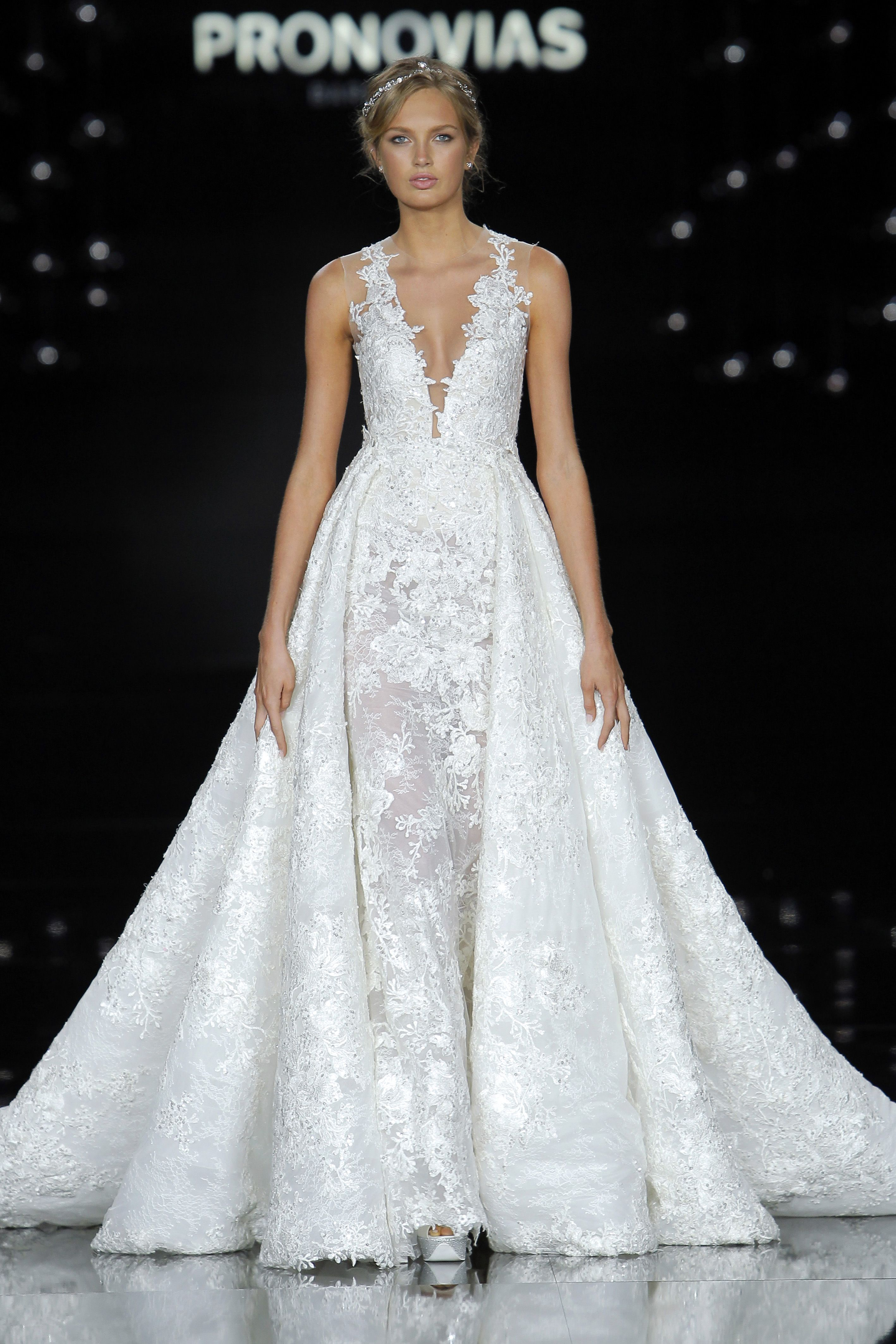 Cool Atelier Pronovias Spring Closed out Barcelona Bridal Fashion Week with a gorgeous collection of weightless gowns inspired by La Ciel or the sky