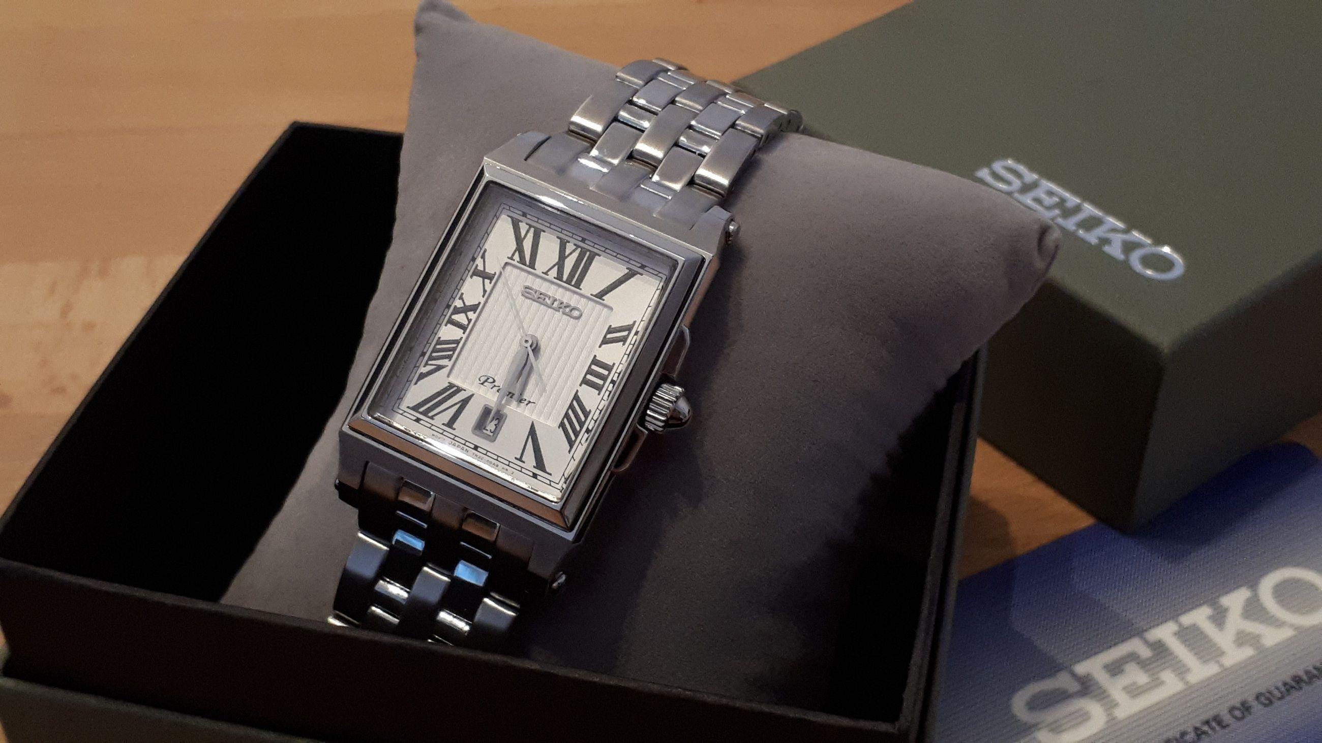 Đồng hồ seiko SKK715P1 mặt vuông