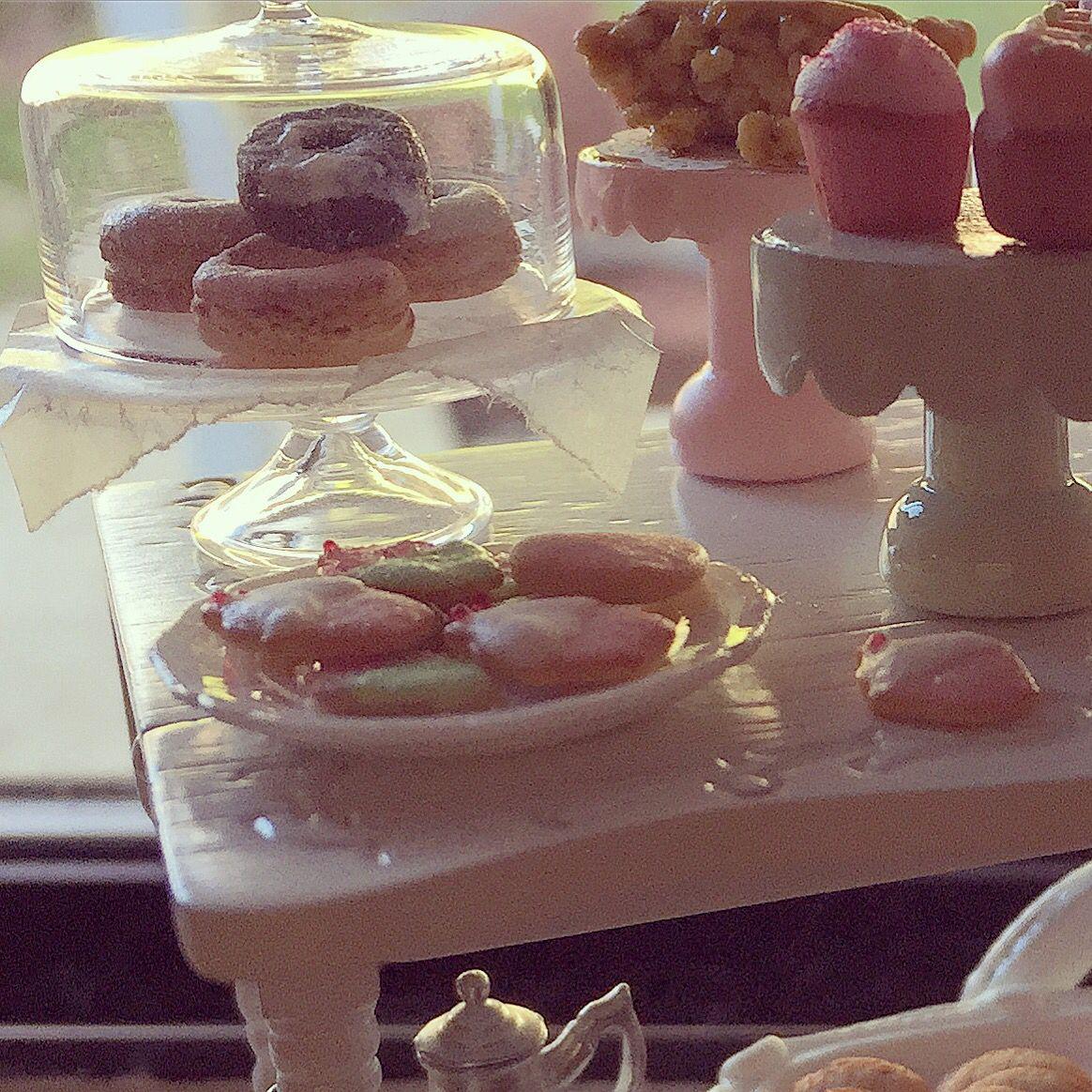 Miniature tea party 1:12 by Kim Saulter