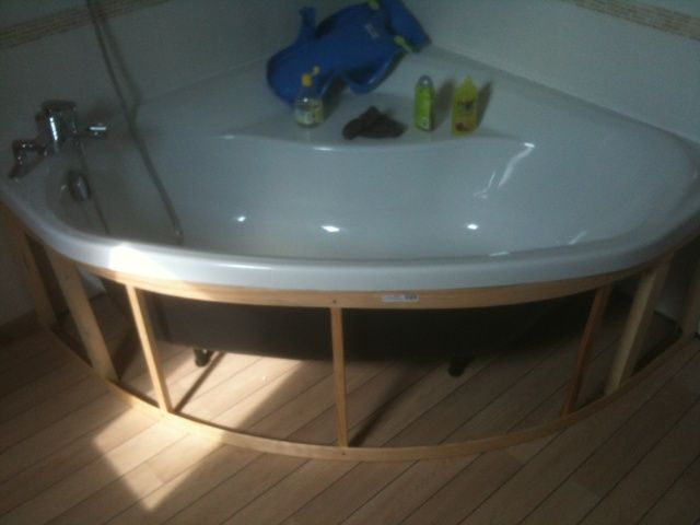 Comment Habiller Une Baignoire D Angle 34 Messages Forumconstruire Com Baignoire Angle Deco Salle De Bain Avec Baignoire Deco Salle De Bain