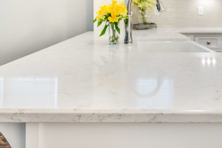 Lg Viater Quartz Countertops In The Minuet Pattern With A Quarter